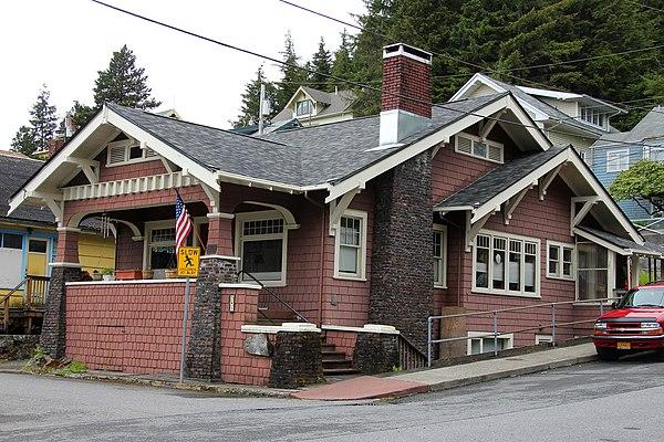 Walker-Broderick House