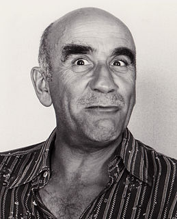 Warren Mitchell English actor