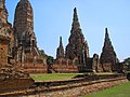 Wat Chaiwatthanaram 2006-02-13 (006).jpg