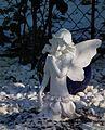 Weiße Elfe Skulptur.JPG
