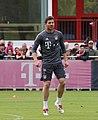 Xabi Alonso Training 2017-05 FC Bayern Muenchen-1.jpg