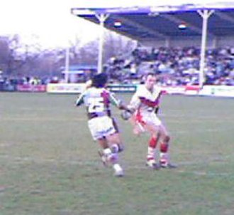 Nick Fozzard - Fozzard about to tackle Zeb Luisi against Harlequins RL at the Twickenham Stoop