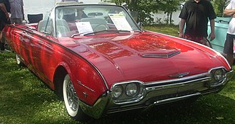 Ford Thunderbird (third generation) - Image: '61 Ford Thunderbird Convertible (Auto classique Laval '10)