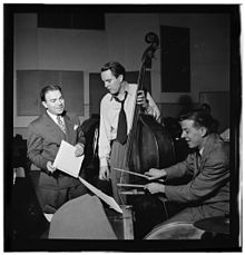 Haggart (center) in New York, 1947