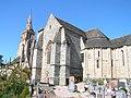 Église de la Trinité de Brélévenez - Vue Est.jpg