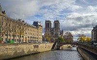 Île de la Cité Notre Dame Paris.jpg