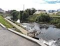 Каменный мост через реку Исеть - вид с моста по чётной стороне ул. Малышева.JPG
