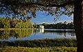Озеро Белое с островом Любви и павильоном Венеры.jpg