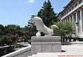 地质宫门前西边石狮 stone lion - panoramio.jpg
