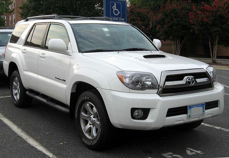 800px-06-07_Toyota_4Runner.jpg