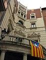 070 Ajuntament de Berga, balcó i estelada.jpg