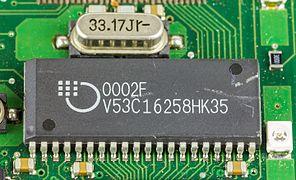 1&1 NetXXL powered by FRITZ! - Mosel Vitelic V53C16258HK35 on mainboard-1829.jpg
