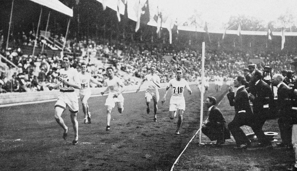 1912 Athletics men's 1500 metre final2.JPG