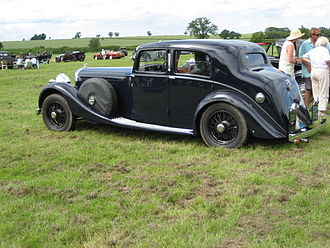 Park Ward - 1937 4¼-litre Bentley sports saloon the patent-construction batch-produced standard-steel saloon developed in conjunction with Rolls-Royce and produced from 1936