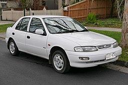 1997 Kia Mentor GLX hatchback (2015-07-09) 01