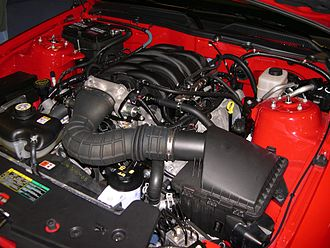 Ford Modular engine - 4.6 L 3-valve SOHC V8 installed in a 2006 Ford Mustang GT