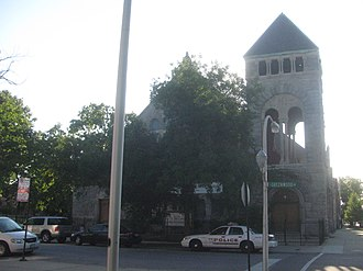 North Kenwood District - Image: 20080909 Kenwood Evangelical Church from east