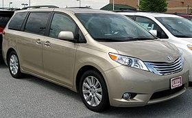 2011 Toyota Sienna -- 05-06-2011.jpg