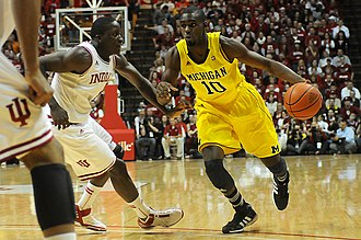 2011–12 Michigan Wolverines men's basketball team - Image: 20120105 Tim Hardaway Jr vs Victor Oladipo