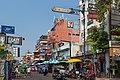 2016 Bangkok, Dystrykt Phra Nakhon, Ulica Khaosan (12).jpg