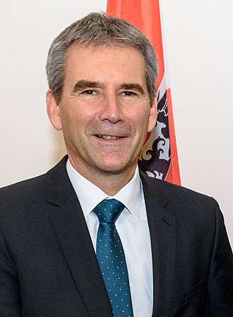 Kurz government - Image: 2017 Finanzminister Hartwig Löger (39136614571) (cropped)