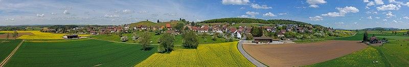 File:2018-04-24 14-03-24 Schweiz Dörflingen Hinterdorf 405.7.jpg