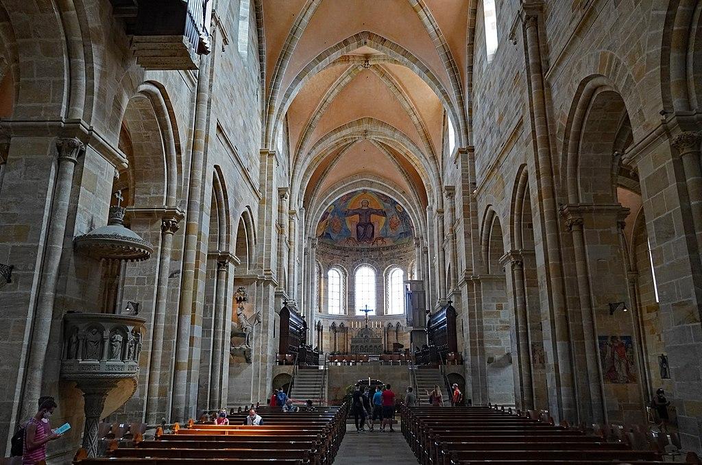 Bamberger Dom, Innenraum mit Blick zum Ostchor