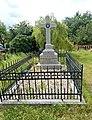 25. Chlum, zde je pohřben rakouský mjr. a křídelní pobočník vrchního velitele Ferdinand hrabě Griinne.jpg