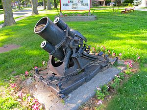 25 cm schwerer Minenwerfer - A sMW a/A at Waterford, Ontario