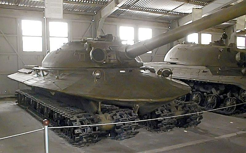 """...боеукладкой, двухплоскостным стабилизатором вооружения  """"Гроза """", стереоскопическим прицелом-дальномером ТПД-2С."""