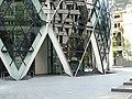 30 St Mary Axe Entrance.jpg