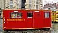 7. Internationaler Florianstag (Dresden) - Öffentlicher Festumzug der Feuerwehr Dresden - Altmarkt bis Neumarkt - Vorführungen der Feuerwehr - ISO-Container vor der Frauenkirche - Bild 013.jpg