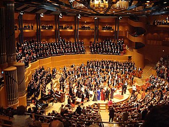 Symphony - A performance of Gustav Mahler's Eighth Symphony in the Kölner Philharmonie
