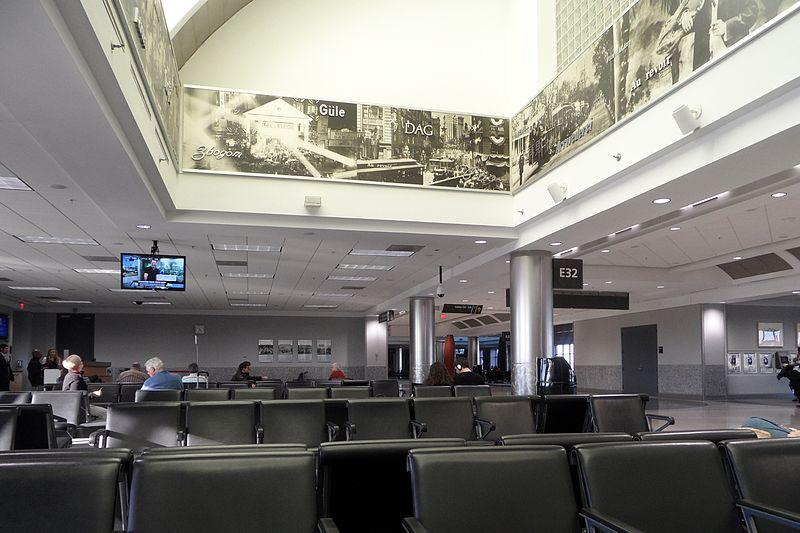 O que fazer no aeroporto de Atlanta durante uma conexão