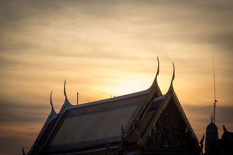 File:A roof of a building at the Grand Palace, Bangkok, sunrise, 2017.jpg
