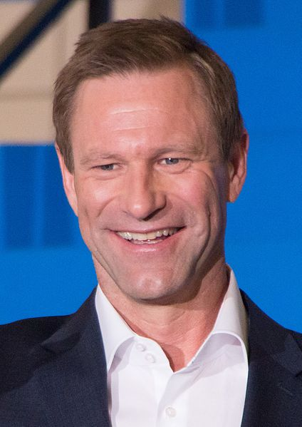 By Dick Thomas Johnson from Tokyo, Japan (Sully Japan Premiere Red Carpet: Aaron Eckhart) [CC BY-SA 3.0 (CC BY 2.0)], via Wikimedia Commons