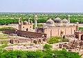 Abbasi Mosque in front of Qila Darawar.jpg