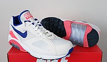 Nike Air Max 180 Ultramarine On Foot – Sole U