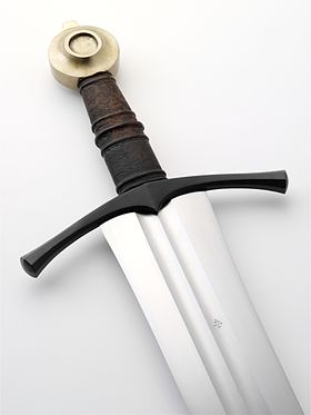 Albion Sovereign Medieval Sword 5 (6093465177).jpg