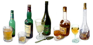English: A montage of different alcoholic beve...