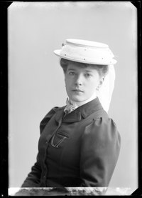Alma Anderström, porträtt - SMV - GA079.tif