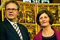 Am Beginn der Veranstaltungen 6. Lange Nacht der Kirchen in Hannover blicken Stadtsuperintent Hans-Martin Heinemann und Hanna Kreisel-Liebermann gebannt nach rechts.jpg