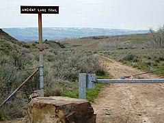 Ancient Lakes Trailhead - panoramio.jpg