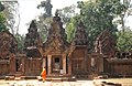Angkor-Banteay Srei-04-von Osten-2007-gje.jpg