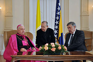 Apostolic Nunciature to Bosnia and Herzegovina - Meeting of the apostolic nuncio Luigi Pezzuto and Chairmen of the Presidency of Bosnia and Herzegovina Nebojša Radmanović