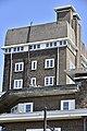 Architecture typique d'après-guerre (1947-50) du Fer-à-Cheval (27936225585).jpg