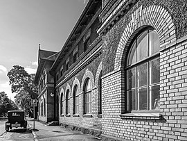 Halmstad to Avesta - 7 ways to travel via train, bus, car, and