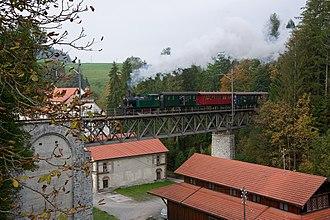 Dampfbahn-Verein Zürcher Oberland - A steam train of the DVZO crosses the Weissenbachbrücke in Bäretswil