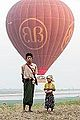 Balloons over Bagan (14706547258).jpg