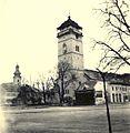 Balra a Szűz Mária Mennybemenetele katedrális, jobbra a Városi őrtorony. Fortepan 76979.jpg